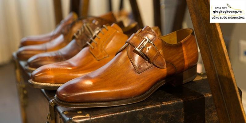 Ảnh gian hàng giày tây nam chính hãng ở huyện bình chánh TPHCM 001