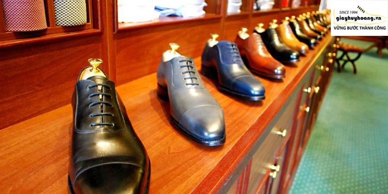 Ảnh gian hàng giày tây nam chính hãng ở huyện bình chánh TPHCM 002