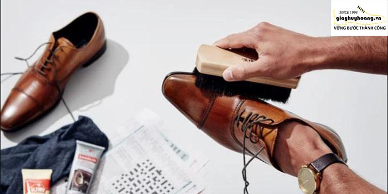 Giày derby oxford là gì? Cách phối đồ tốt nhất