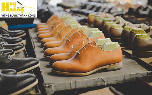 Hình ảnh giới thiệu công ty giày da huy hoàng 002