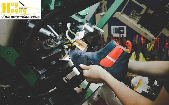 Hình ảnh giới thiệu công ty giày da huy hoàng 010