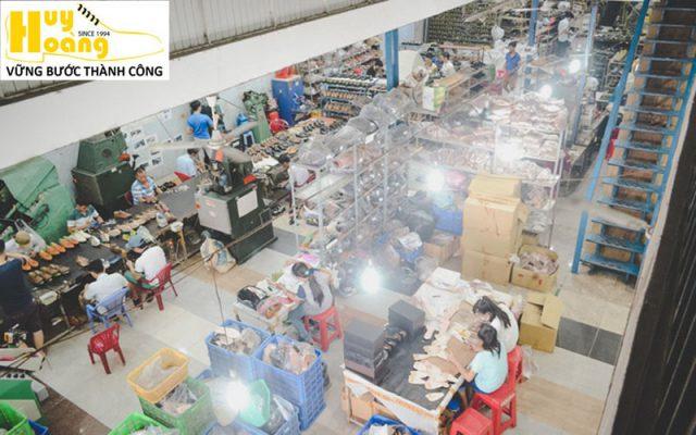 Hình ảnh giới thiệu công ty giày da huy hoàng 014