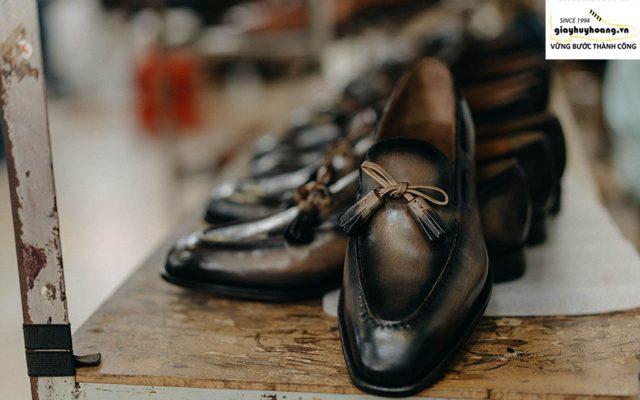 Ảnh giới thiệu công ty giày tây Huy Hoàng Since 1994 011