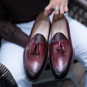 Giày lười nam chuông màu đỏ đô Tassel Loafer LF2067 001