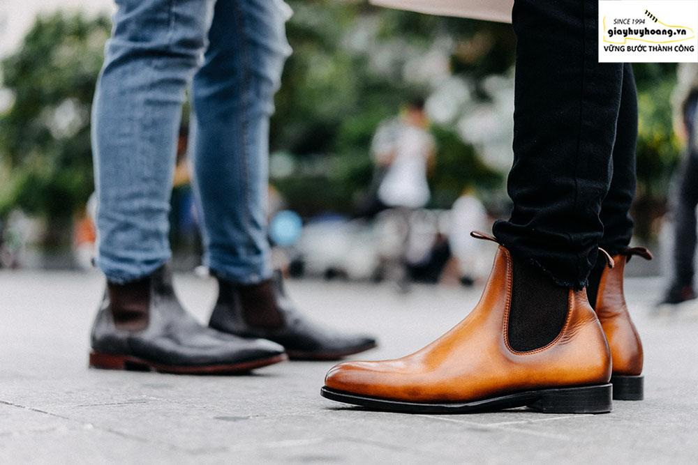 Cách phối đồ quần áo với giày Chelsea boot cổ cao nam như thế nào? 001